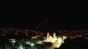 Bólido registrado em Oliveira, MG - Créditos: Clima ao Vivo